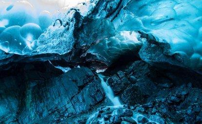 غار یخی Mendenhall